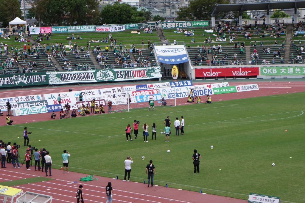 長良川競技場 デルピエロ