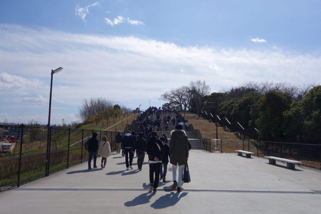 万博記念公園駅から吹田スタジアム