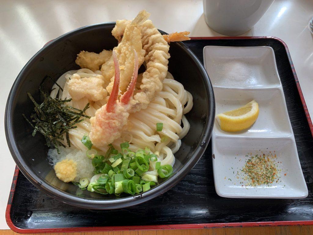 つづみの海鮮天ぷらぶっかけうどん