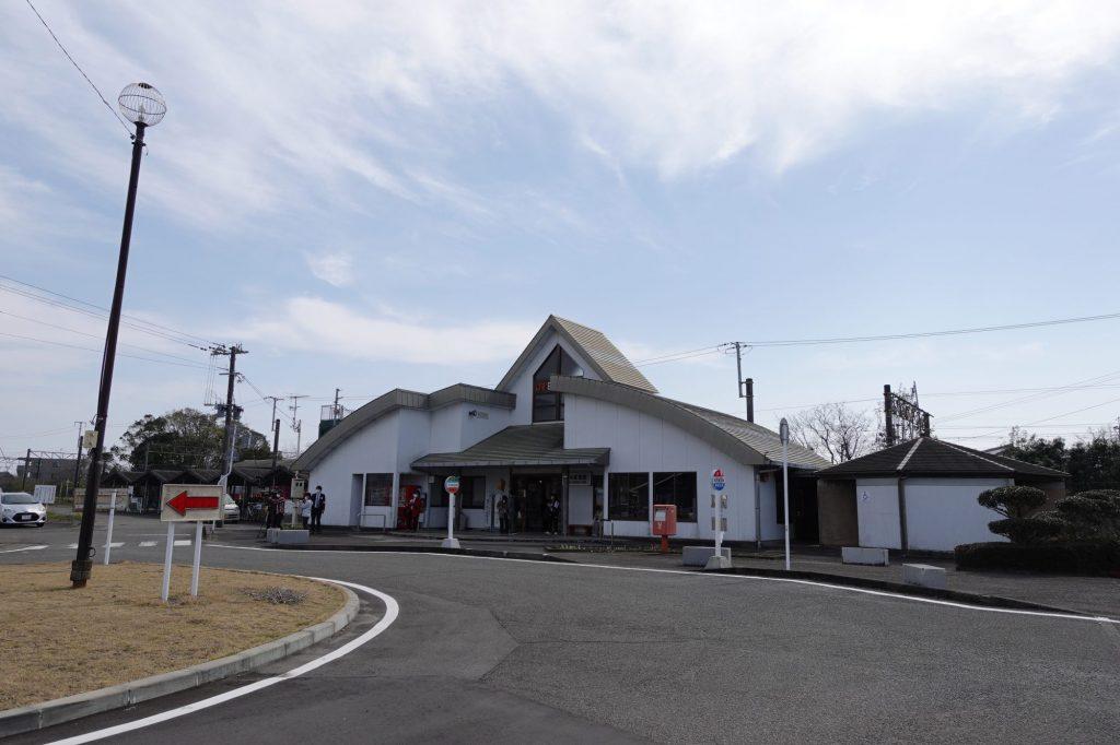 日向新富駅