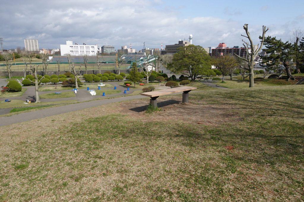 ソユースタジアム前の丘