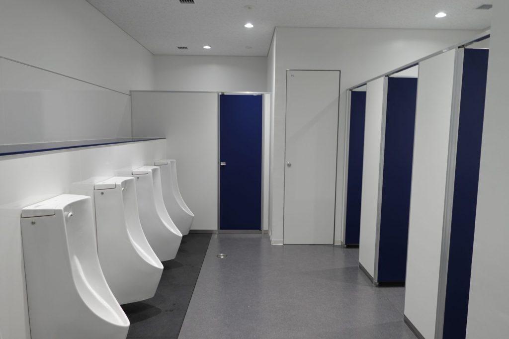 町田GIONスタジアム 男子トイレ