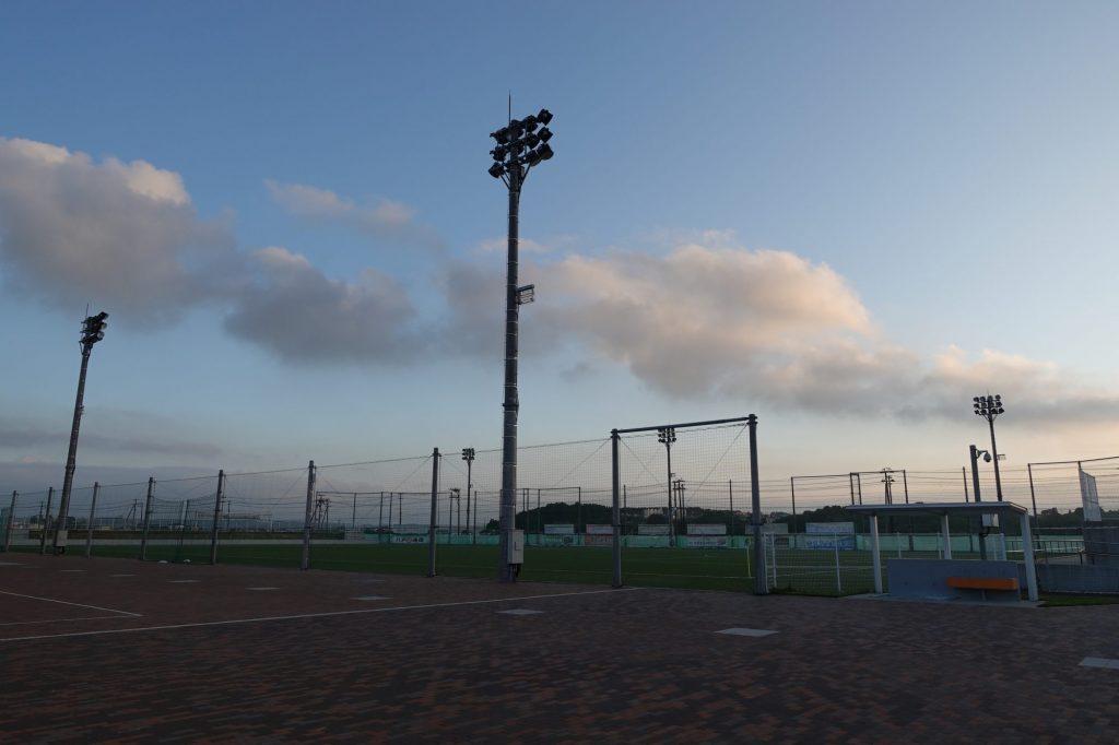 人工芝球技場