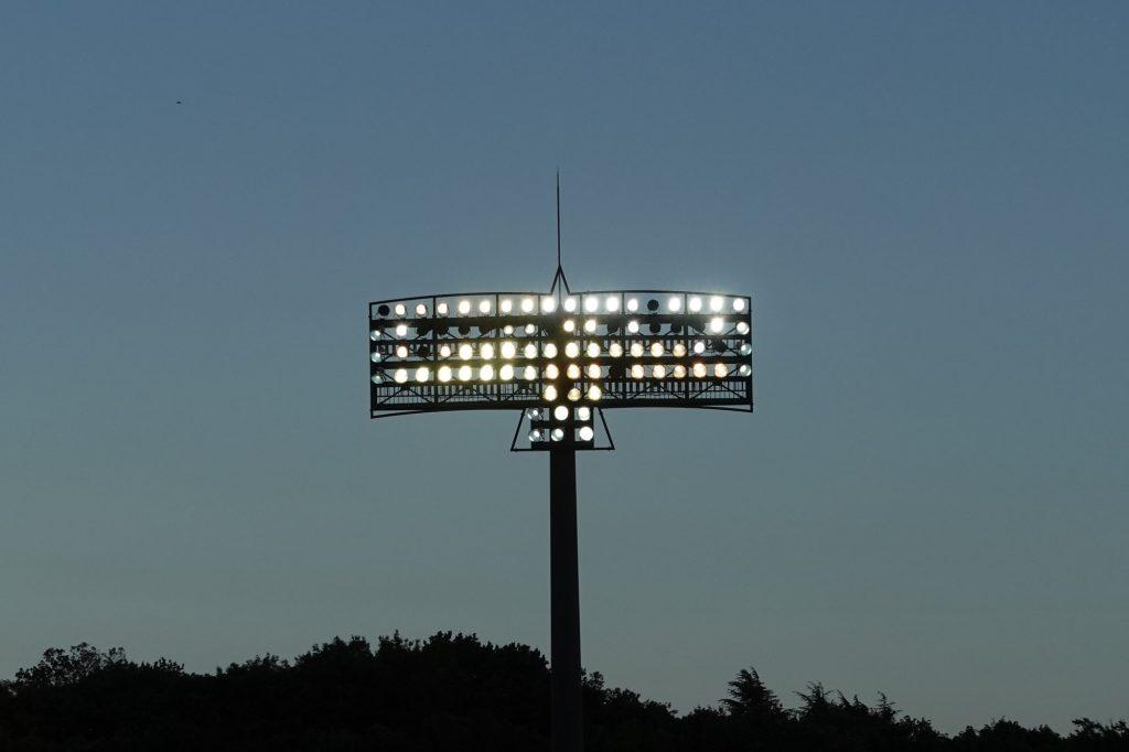 町田GIONスタジアムの照明塔