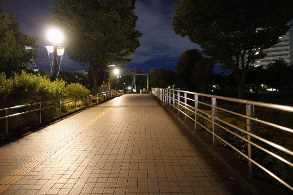 新横浜駅から日産スタジアムへ