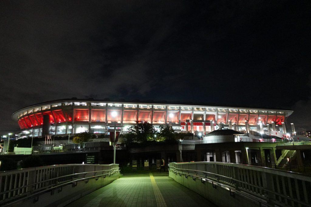 日産スタジアムのライトアップ