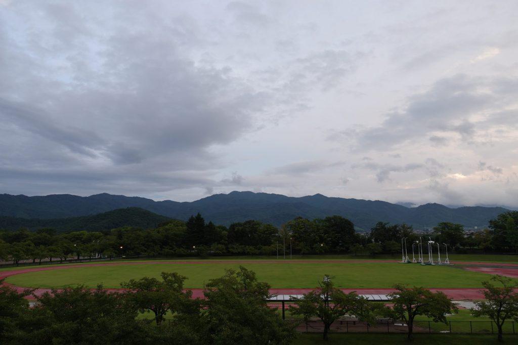 NDソフトスタジアム山形から見える山並み