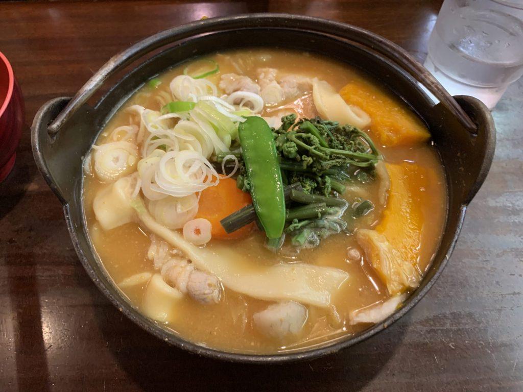 甲州ほうとう小作甲府駅前店の「豚肉ほうとう」
